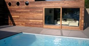 Faire construire une piscine enterrée : guide, conseils, fonctionnement et coût