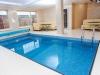 Faire construire une piscine intérieure : guide, conseils, fonctionnement et coût