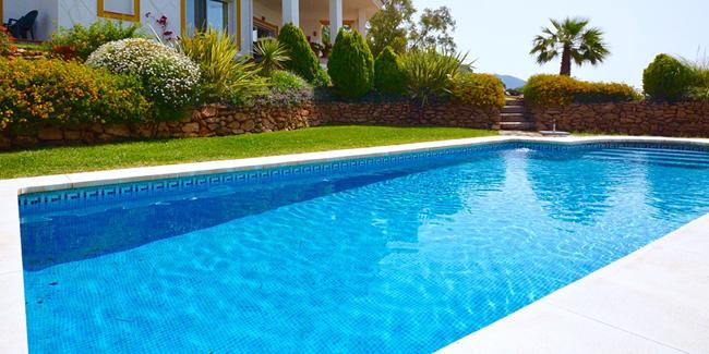 Chauffage solaire pour piscine : fonctionnement, avantages, inconvénients, prix