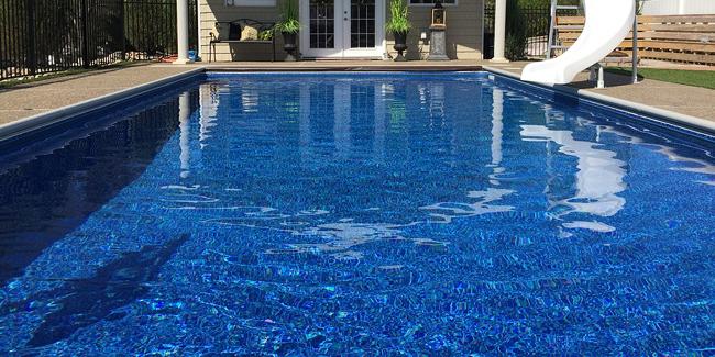 Une piscine avec ou sans permis de construire : les conditions !