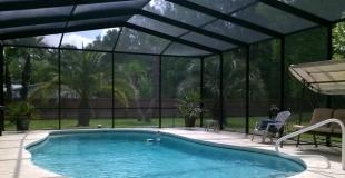 Construire une piscine dans une véranda : quelles précautions ? quel coût ?