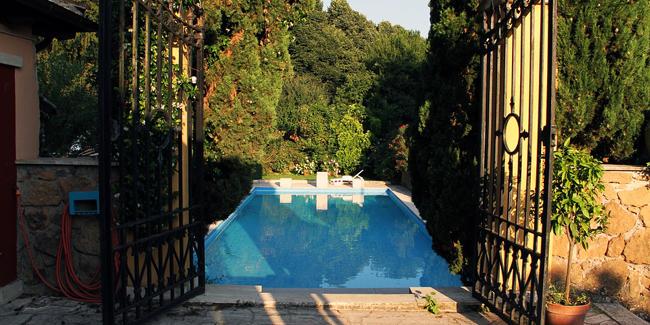 Faire construire une piscine : quelle plus-value à la revente de la maison ?