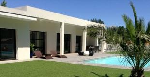 Comment choisir la taille de sa piscine ? Quelle incidence sur les coûts ?