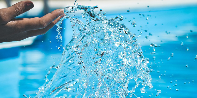 Traitement au brome de la piscine : avantages, inconvénients, dosage