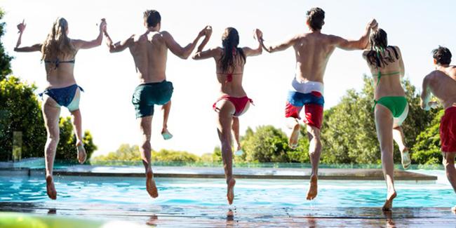 Niveau d'eau idéal d'une piscine : quel est-il ?